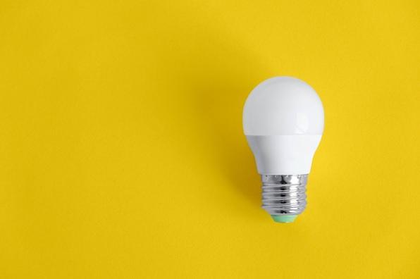 ¿De qué depende el precio de mi factura de la luz? Da de alta la luz en España