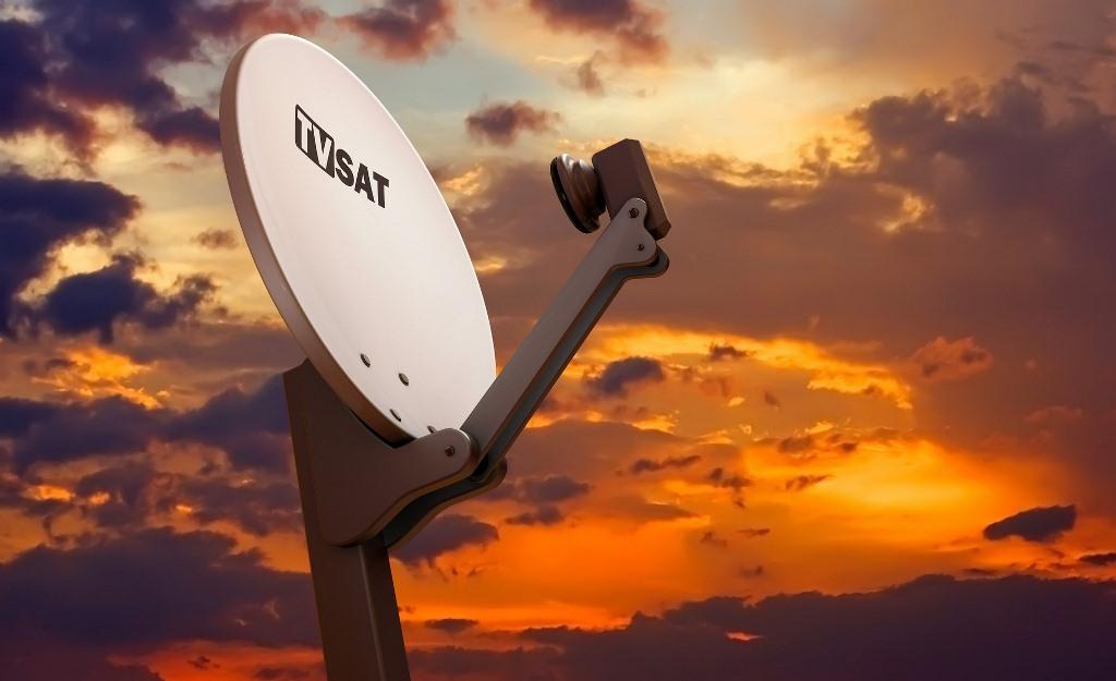 Instalación de telecomunicaciones, voz y datos. Antenas de televisión TV, antenas satélites, línea de teléfono, datos, internet