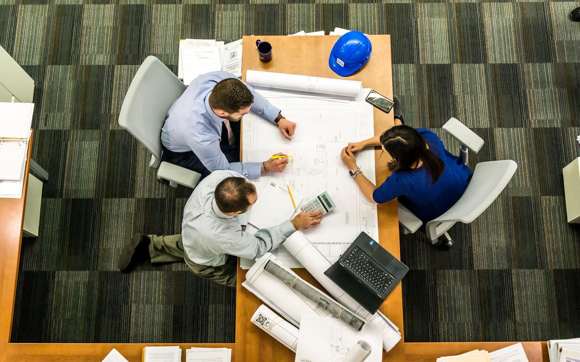 Proyectos de adecuación, licencias, proyectos eléctricos, dirección técnica, certificaciones