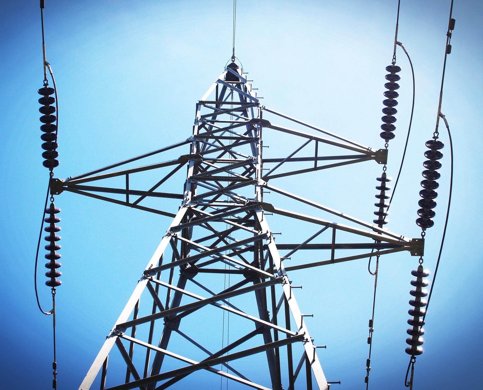 Instalaciones eléctricas en Alta Tensión y Baja Tensión, redes de distribución y transformación de energía eléctrica