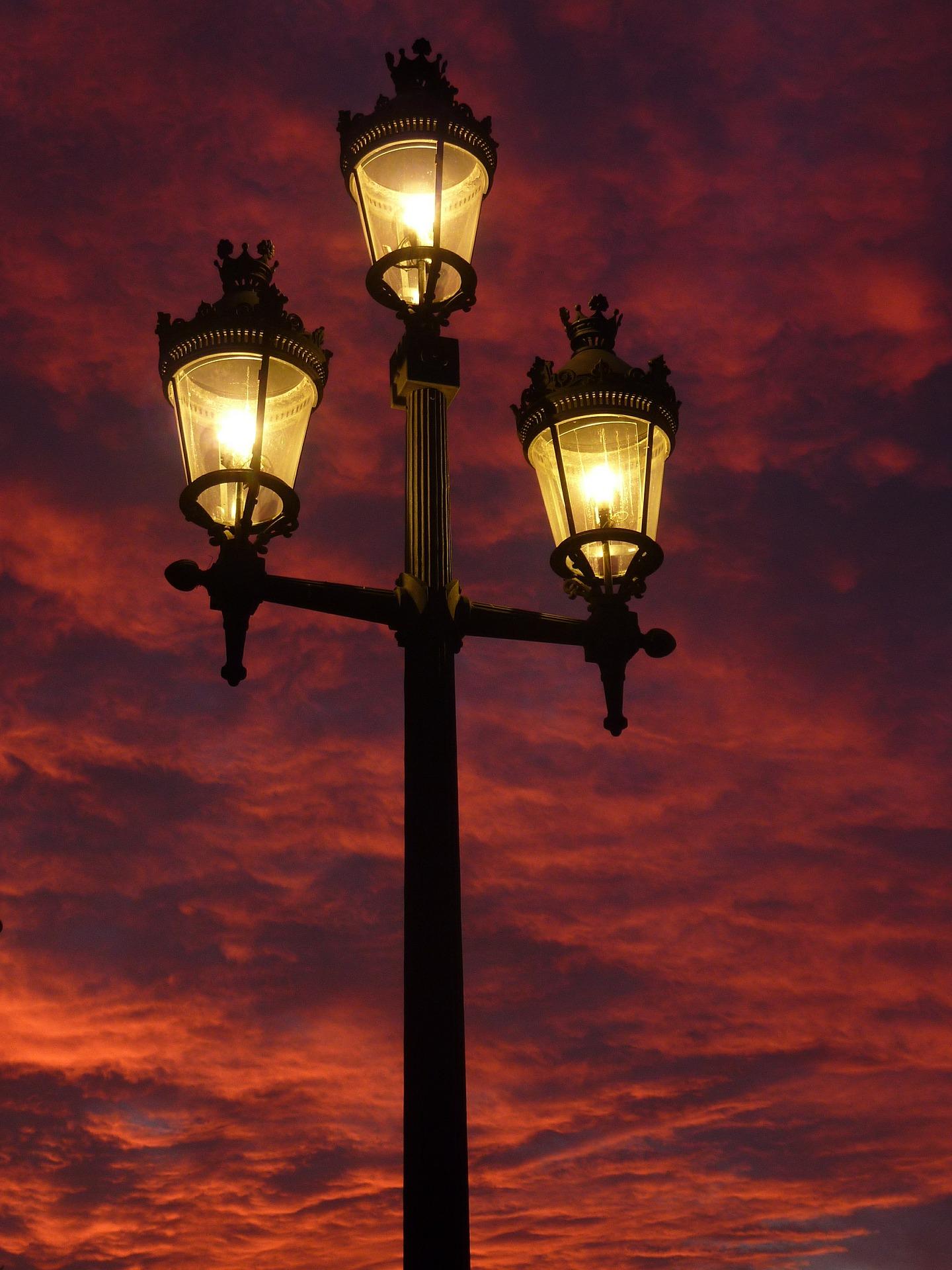 Tienda de luminarias, lámparas, bombillas